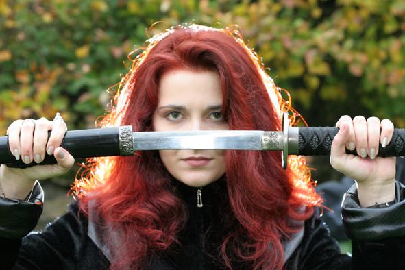 девушка с мечом фотосессия