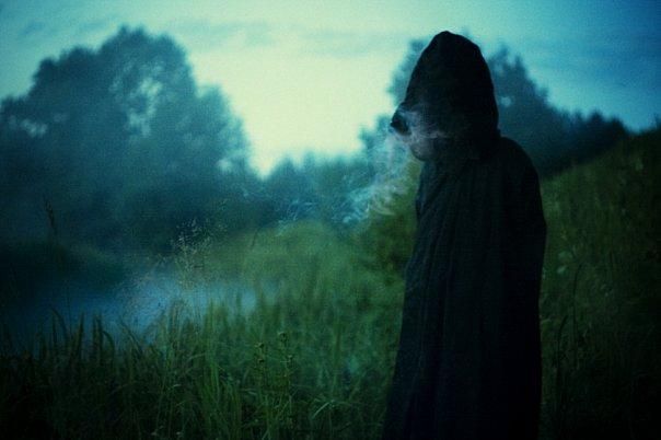 теперь к чему снится призрак женщины в черном 000 рублей кальсоны
