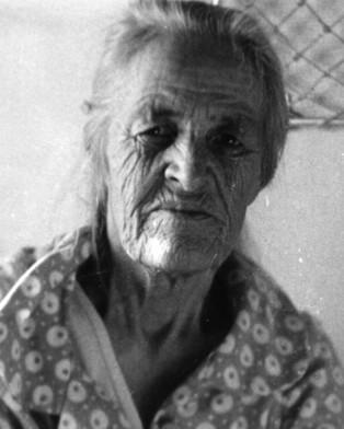 Очень старая бабуля легла в постель со своим внуком фото 517-882