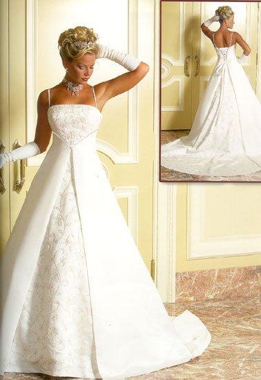 Свадебные, вечерние платья.  Большой выбор.  Низкая цена.