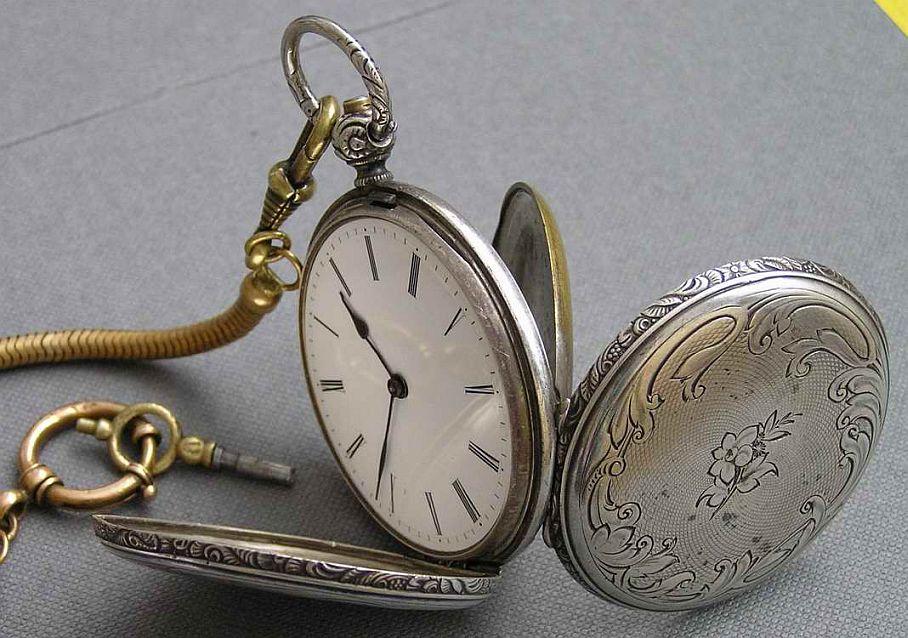 часы карманные NOUVELA Швейцария 1928 г. Карманные двухкрышечные часы в серебряном футляре французского