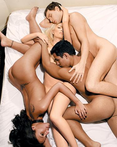 Психологи о групповом сексе