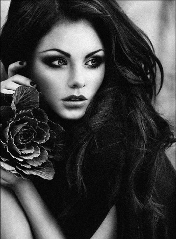 Девушка брюнетка фотка.  Фото девушек брюнеток с карими глазами.  Красивая девушка 18.
