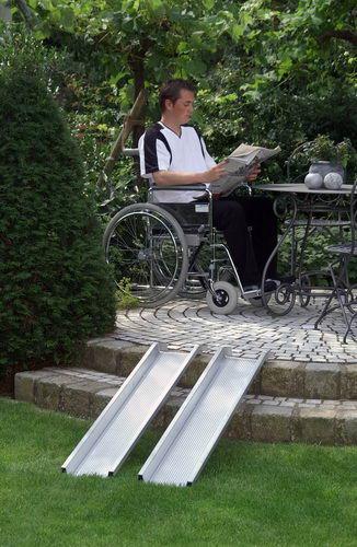 Благодаря пандусу тип ABS инвалидная коляска без проблем может преодолевать различные по высоте поверхности.