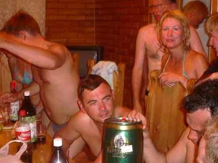 Фото пьяных мужиков в бане 3 фотография