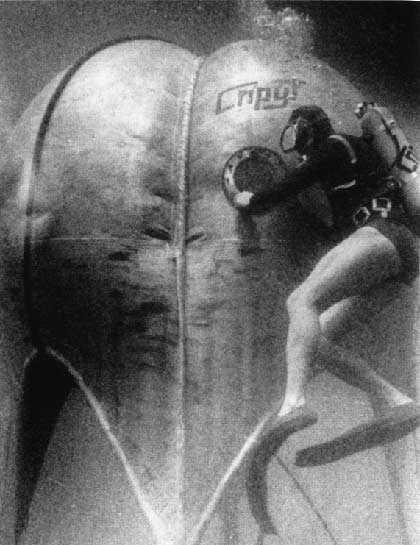 Скрытая камера как толстая жена обтирается в ванной полотенцем — img 8