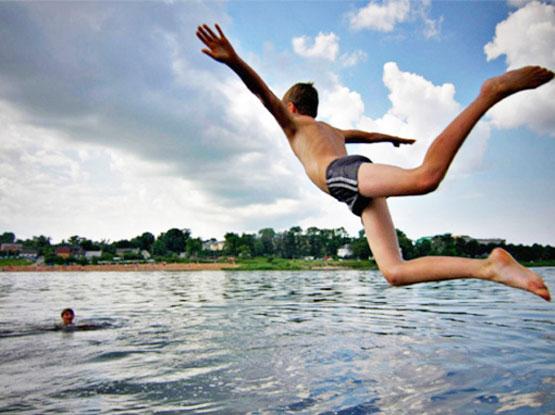 подростки мальчики фото в плавках