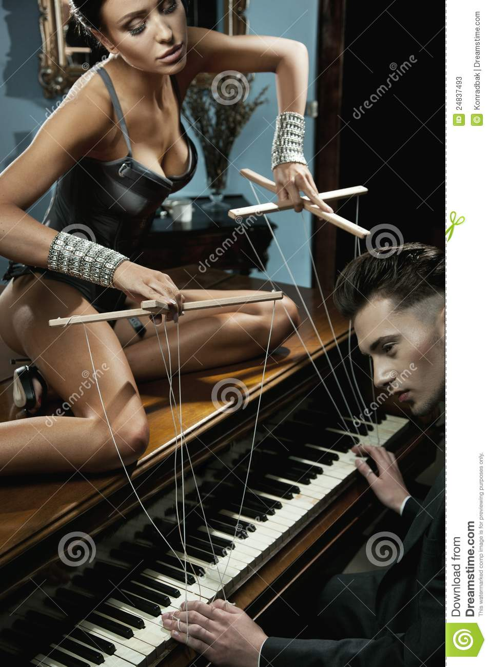 Секс на пианино картинки 26 фотография