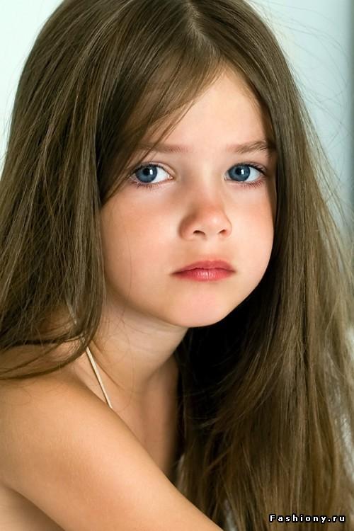 Фото юных девочек 14 фильм как мужчина влюбился в девочку