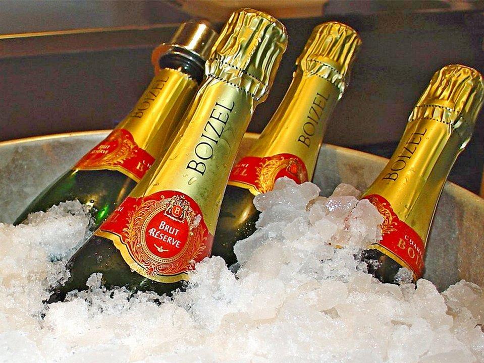 предоставляем крутые картинки с шампанским купить новый