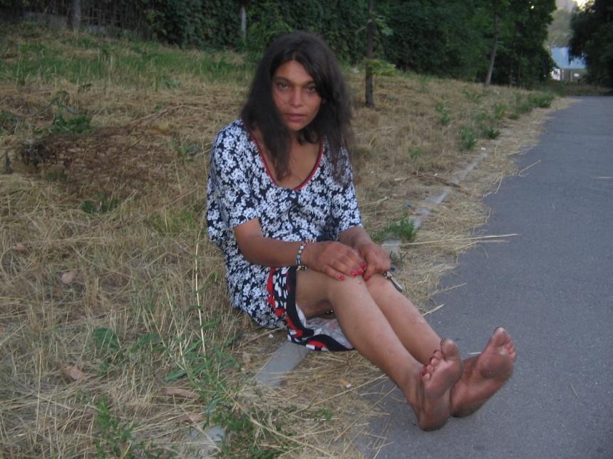 Как выглядят голые ноги в грязи 1 фотография