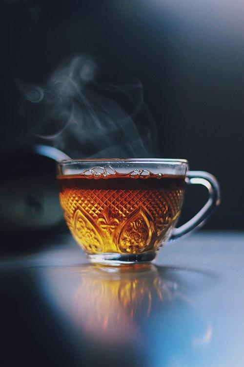 Вареный чай на молоке