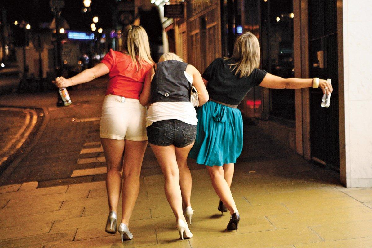 Фото приколы девушки пьют