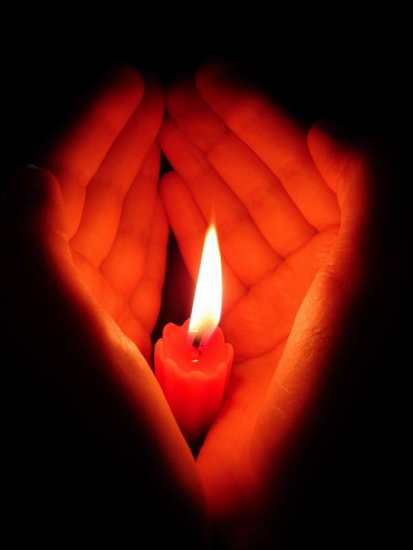Живые для, открытки памятные свечи