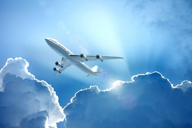 Людям, которым снятся летящие в небе самолеты, можно позавидовать – к чему бы ни было это видение, это хороший знак.