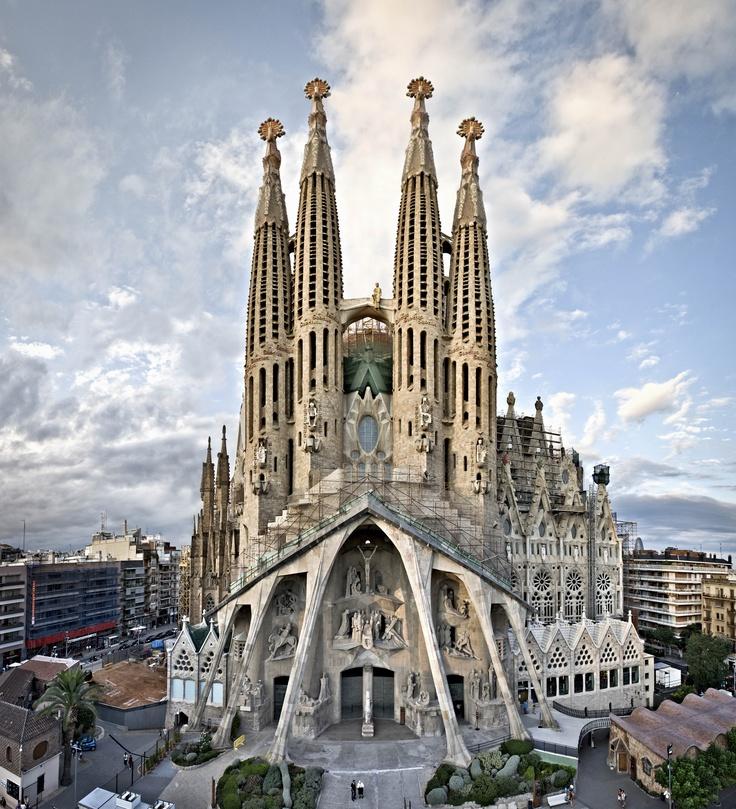 фотографирует картинки собора святого семейства виды