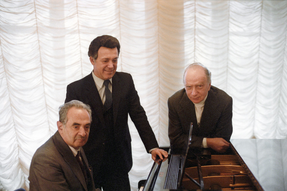 временем это эдуард колмановский композитор фото аквариуме является
